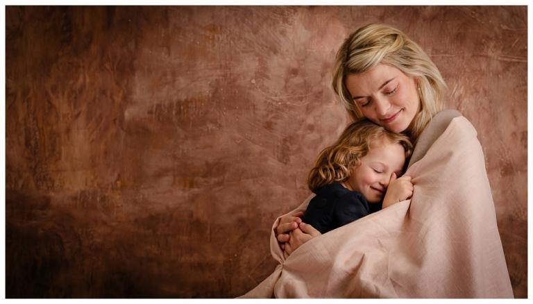 Fine Art Mother, Fine Art Babybauch, Fine Art Schwangerschaft, edle schwangerschaftsbilder, hochwertige Fotos , Leipzig, Halle, Baby, Familie, Schwanger